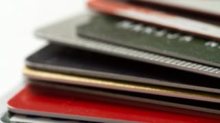 クレジットカードは、解約しただけではダメです